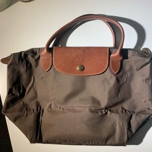 Small Longchamp tote w/ short straps